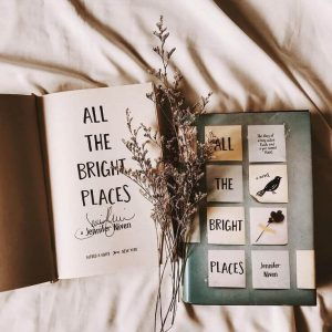 All the bright places: teenage romance novel