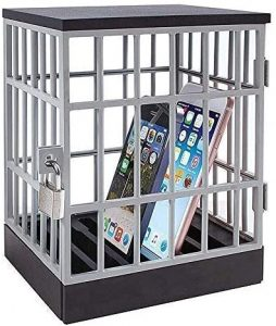 Jail for Mobile phones in the UAE