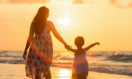 7 ways to make her feel special this Mother's Day